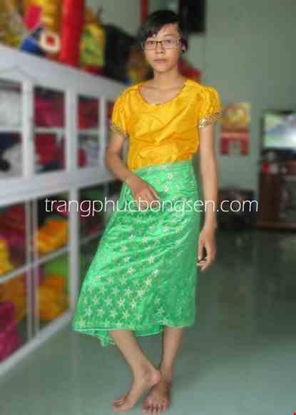 Cho thue Trang phục dân tộc Khơme áo vàng váy xanh cốm
