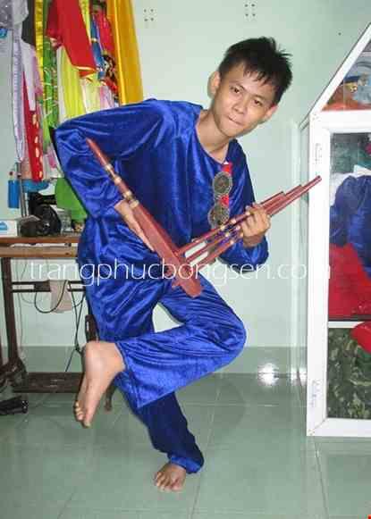 Cho thue Trang phục dân tộc Mèo nam nhung xanh biển