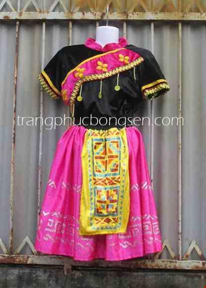 Cho thue Trang phục dân tộc Mèo áo nhung đen - hồng, váy phi hồng in phun