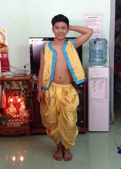 Cho thue Trang phục Alibaba nam màu vàng