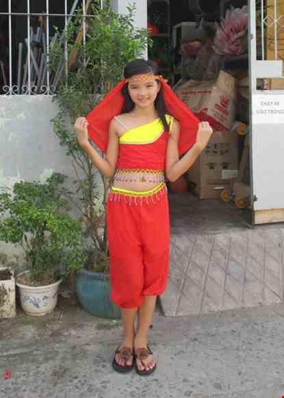 Cho thue Trang phục Ấn Độ (múa bụng, belly dance) trẻ em áo, quần đỏ