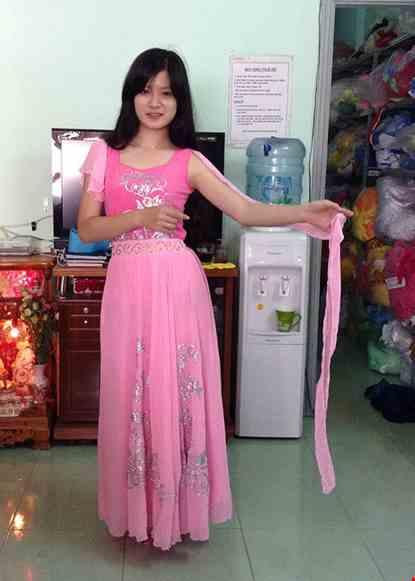 Cho thue Đầm múa dài áo váy hồng rời dây lụa