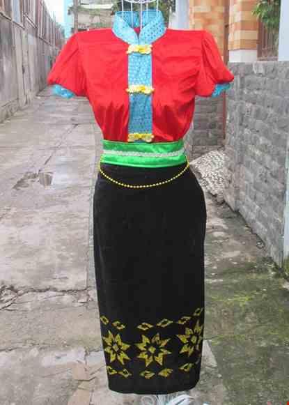 Cho thue Trang phục dân tộc Thái tiểu học đỏ