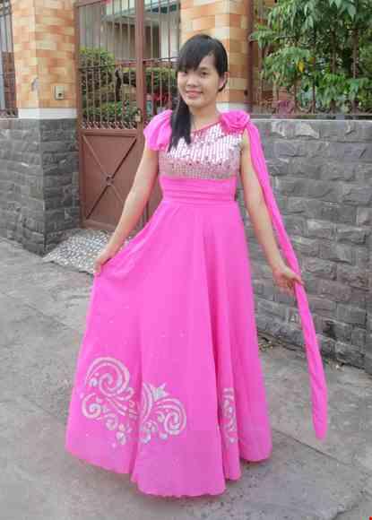 Cho thue Đầm múa dài thân kim sa hồng, chéo vai