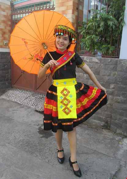 Cho thue Trang phục dân tộc Mèo nhung đen