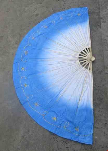 Cho thue Quạt múa đại xanh biển