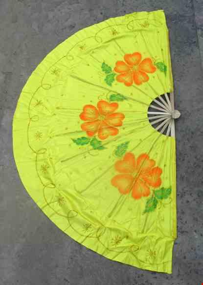 Cho thue Quạt múa đại hoa đào