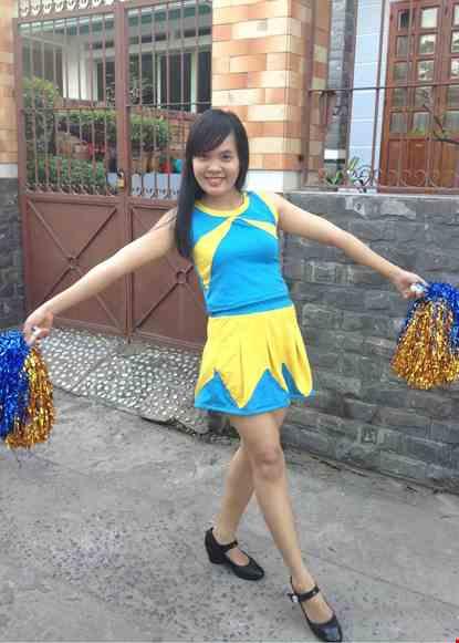 Cho thue Áo váy múa cổ động xanh da trời phối vàng