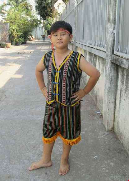 Tay Nguyen tre em