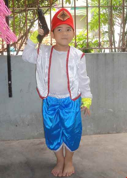 Cho thue Trang phục Alibaba trẻ em trắng