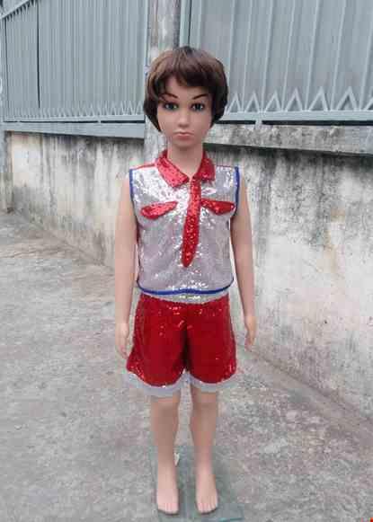 Cho thue Đồ múa hiện đại mầm non quần áo kim sa trắng đỏ cổ gắn cà vạt
