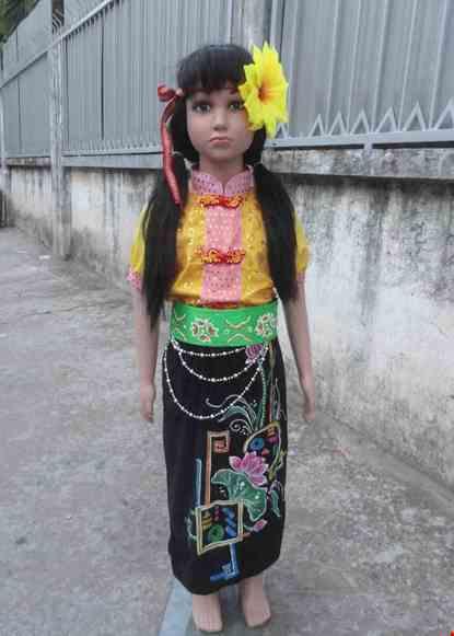 Cho thue Trang phục dân tộc Thái mầm non nữ áo kim sa vàng váy đen