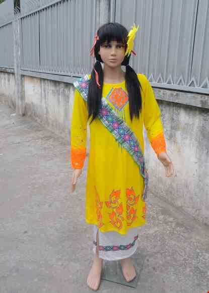 Cho thue Dân tộc Chăm tiểu học nữ thun vàng phun kim tuyến