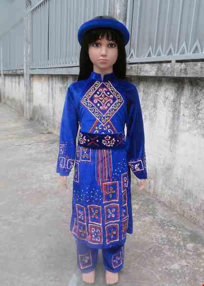 Cho thue Dân tộc Tày mầm non nữ nhung xanh phun toàn thân