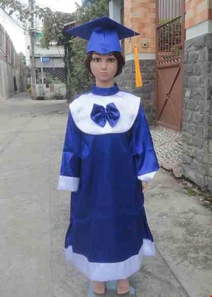 Cho thue Đồ tốt nghiệp mầm non màu xanh bâu tròn có nơ