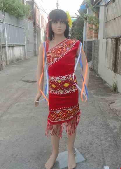 Cho thue Tây Nguyên trẻ em - Váy chéo vai nhung đỏ phun kim tuyến