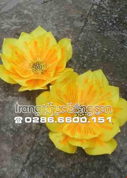 Cho thue Hoa vải 3 lớp màu vàng