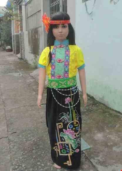 Cho thue Trang phục dân tộc Thái mầm non nữ áo thun vàng váy đen