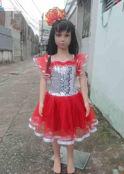 Cho thue Đầm múa mầm non kim sa trắng váy đỏ