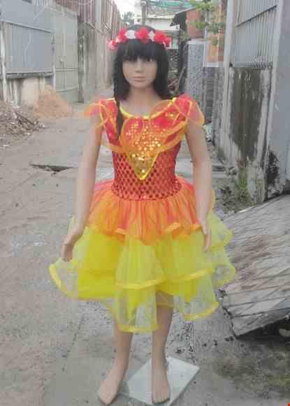Cho thue Đầm múa trẻ em kim sa thân đỏ váy vàng 3 tầng