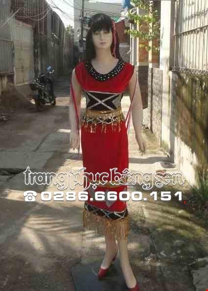 Cho thue Áo Váy Tây Nguyên nhung đỏ áo phọt ngắn