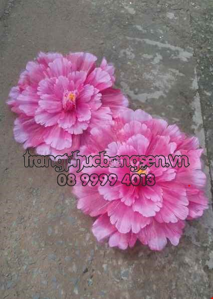 Cho thue Hoa múa hồng trắng nhiều tầng cỡ lớn