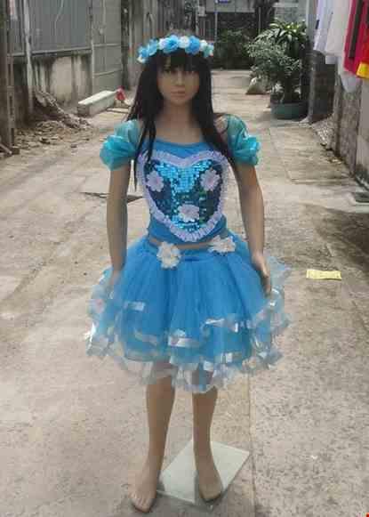 Cho thue Áo váy múa trẻ em kim sa xanh dương ngực tim váy 3 tầng