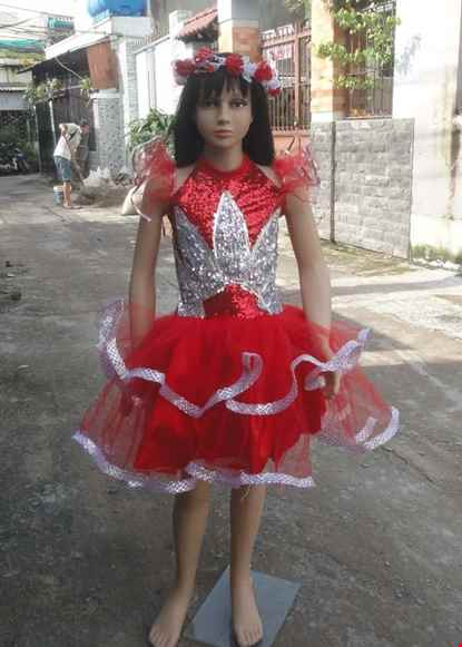 Cho thue Váy múa trẻ em kim sa đỏ ngực cánh sen trắng