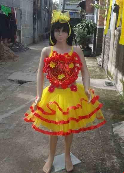 Cho thue Áo váy múa trẻ em kim sa vàng ngực tim đỏ váy 3 tầng