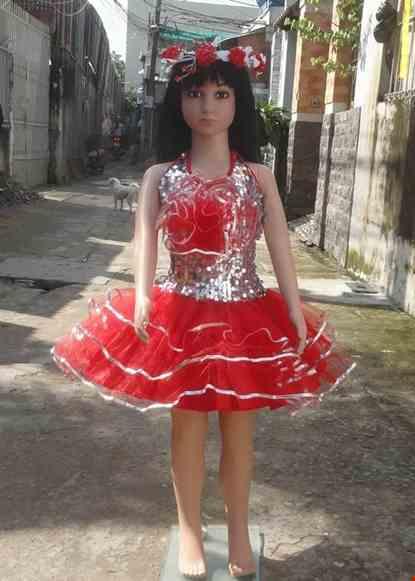 Cho thue Váy múa mầm non đỏ thân kim sa trắng bông ngực lớn