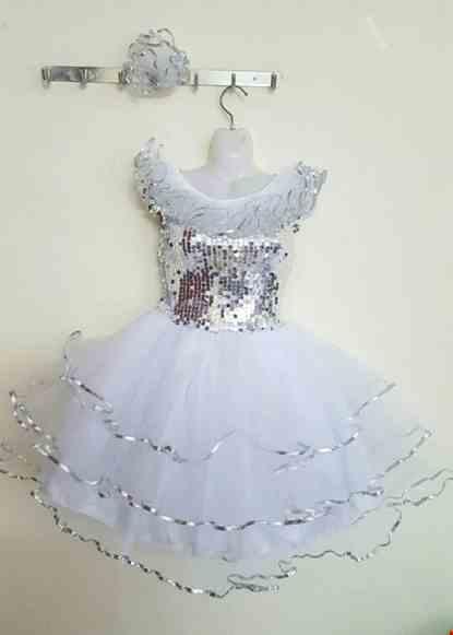 Cho thue Đầm múa trẻ em kim sa trắng 3 tầng bèo cổ