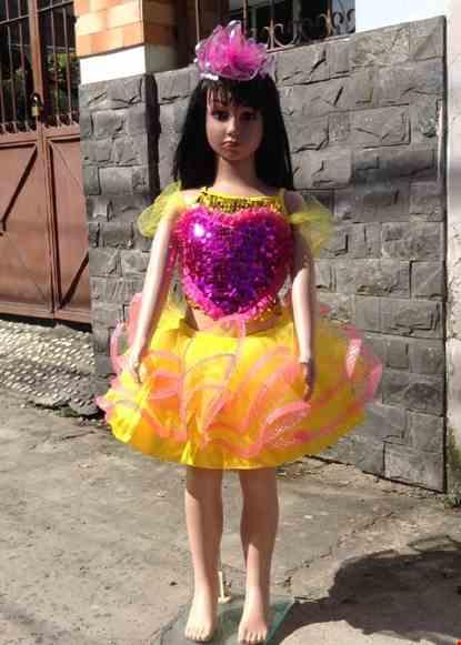 Cho thue Áo váy múa mầm non kim sa vàng ngực tim hồng váy 3 tầng