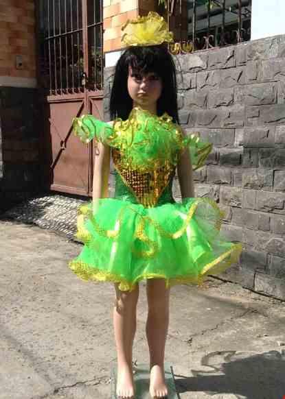 Cho thue Váy múa mầm non kim sa vàng xanh lá cổ yếm bông to