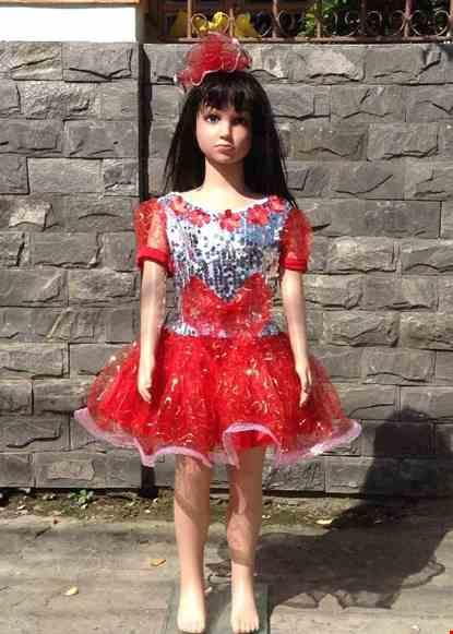 Cho thue Váy múa mầm non kim sa đỏ trắng nơ đỏ hoa dán