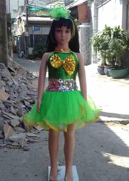 Cho thue Váy múa mầm non kim sa xanh lá cổ trụ nơ vàng