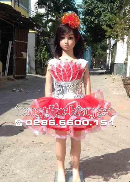 Cho thue Váy kim sa mầm non đỏ trắng ngực sen đỏ