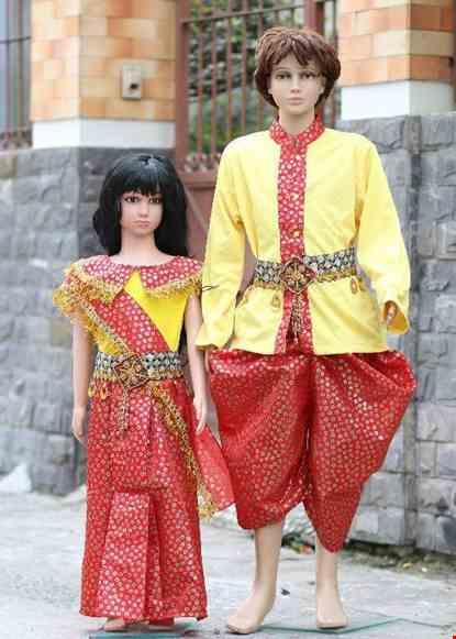 Cho thue Trang phục Campuchia trẻ em vàng đỏ chấm bi