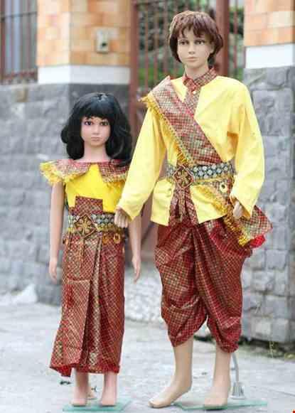 Cho thue Trang phục Campuchia trẻ em vàng đỏ ca rô