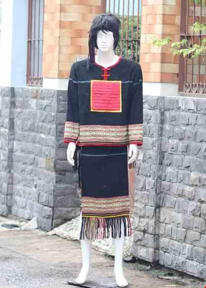 Cho thue Dân tộc Ê Đê (Tây Nguyên) nam thổ cẩm đen