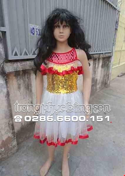 Cho thue Đầm múa trẻ em kim sa vàng viền đỏ xẻ vai