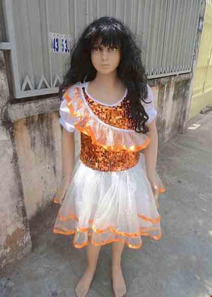 Cho thue Đầm múa trẻ em kim sa cam bèo chéo