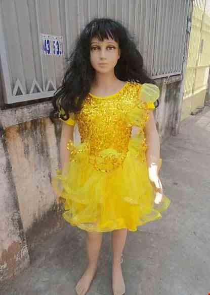 Cho thue Đầm vàng kim sa trẻ em kết 4 bông